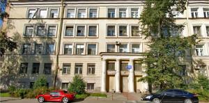 Здание школы на Сердобольской улице